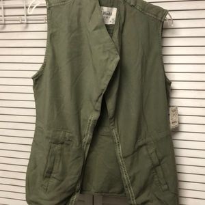 Jackets & Blazers - Mudd Vest NWT